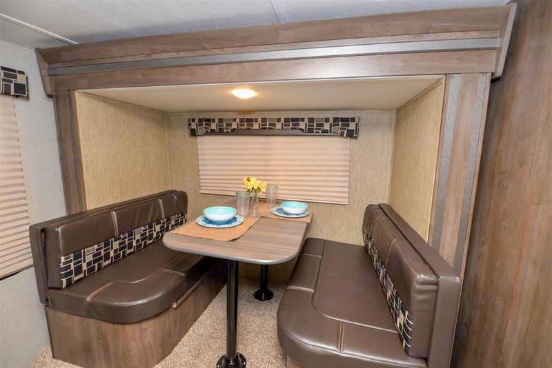 Slideout dining area also sleeps 2. Dutchmen Coleman Light 16RB 2018
