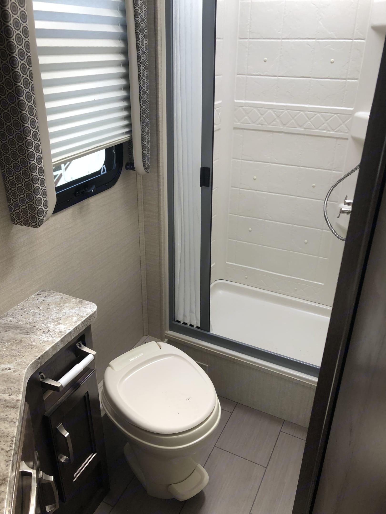 Bath - more pics to come. Jayco Melbourne 24L 2019
