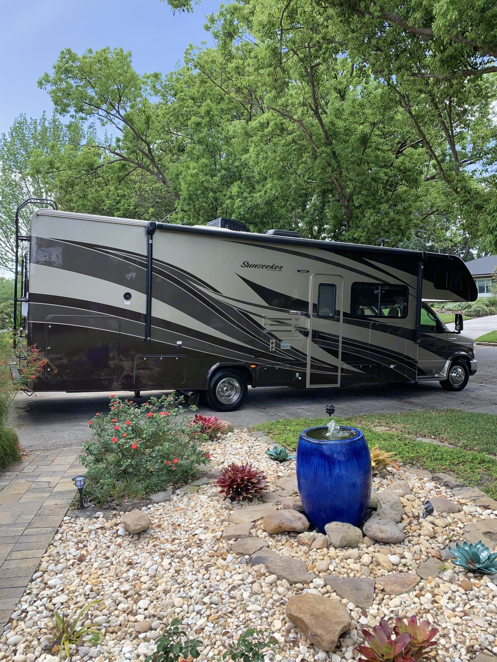 A 2018 Forest River Sunseeker 3050S amber full body paint on a Ford 450 Chassis. . Forest River Sunseeker 2018
