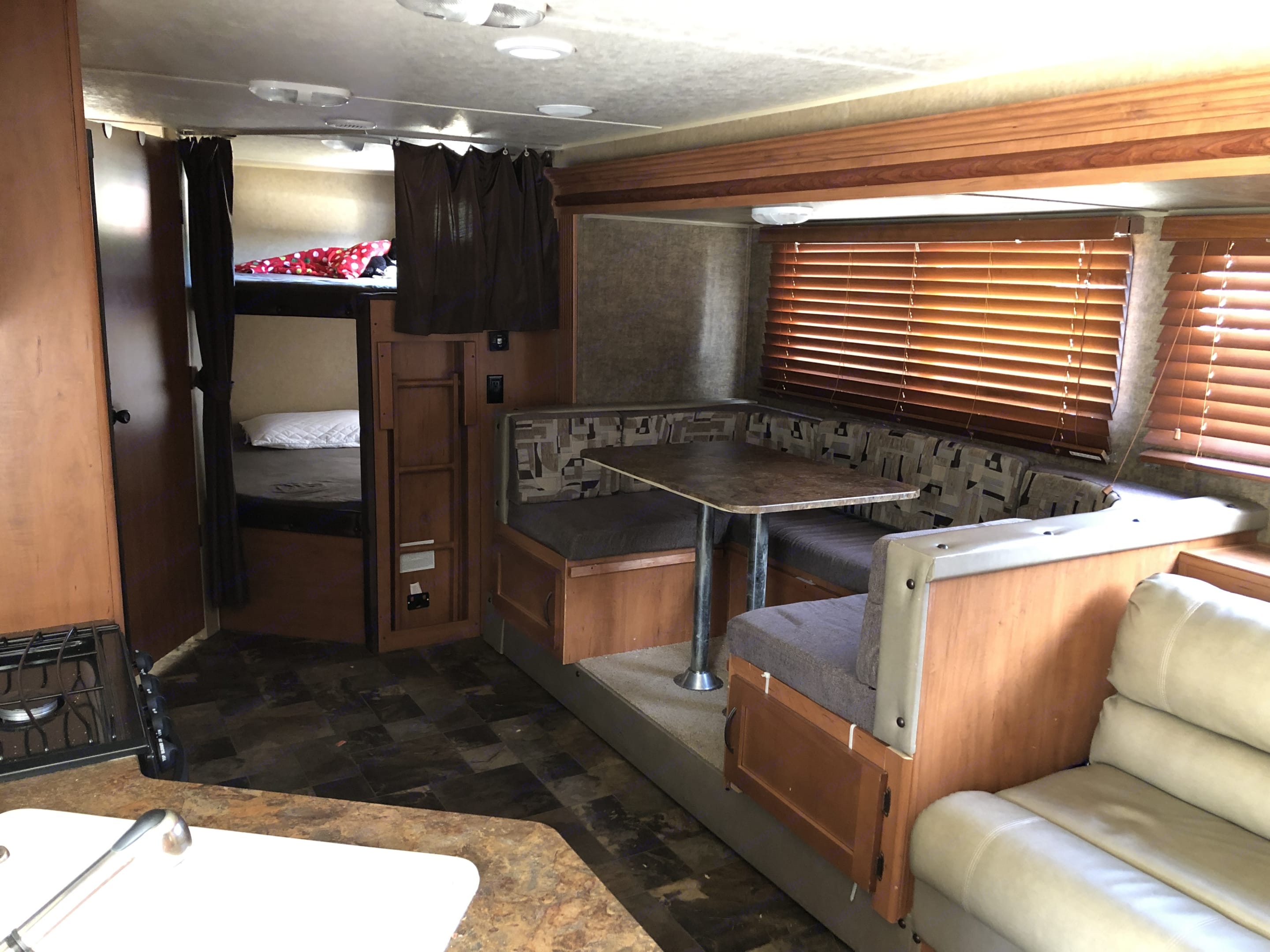 Lots of room in this camper. Forest River Cherokee Grey Wolf 2015
