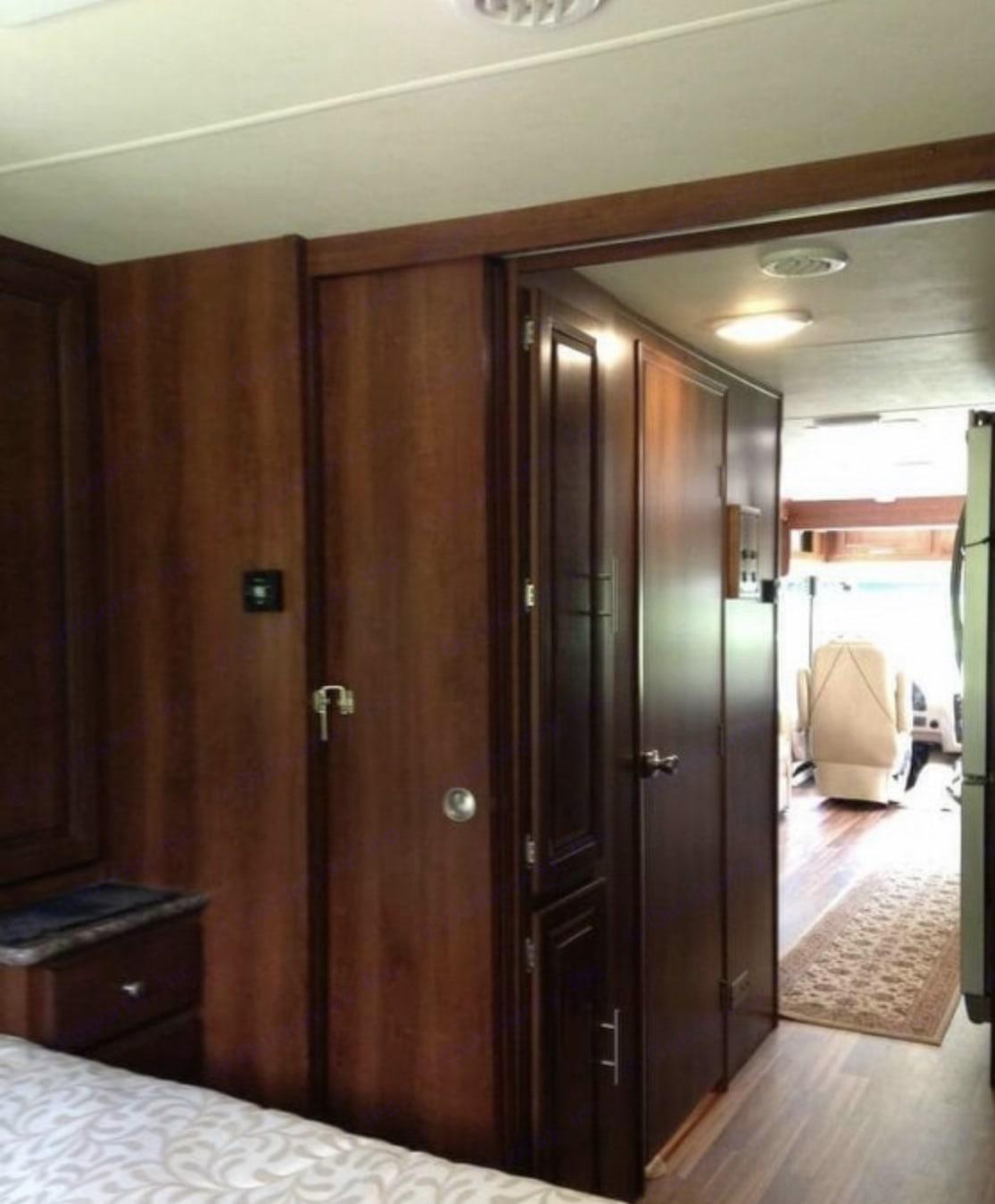 hallway. Forest River Georgetown 2015
