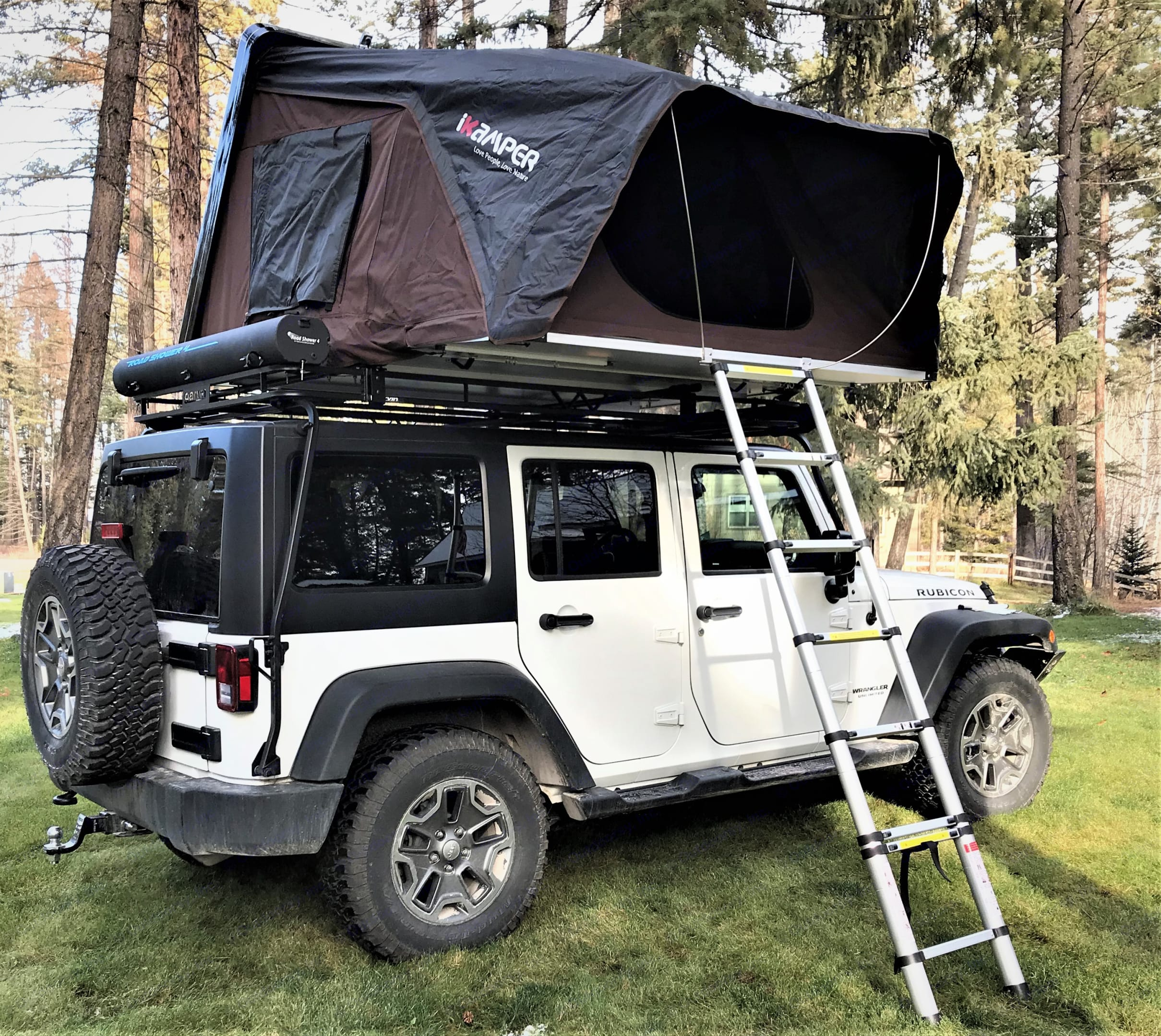 You get the best of both worlds with our Jeep Rubicon and Roof Top Tent that can sleep 2 adults and two children.. Jeep Rubion 2017