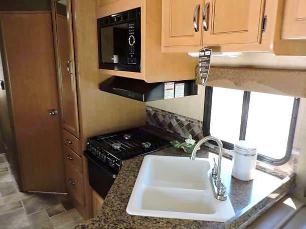 kitchen close up. Thor Motor Coach Freedom Elite 2016