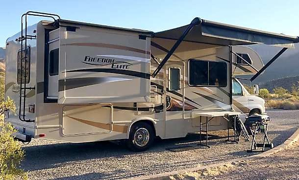 awning and slide out for master bed. Thor Motor Coach Freedom Elite 2016
