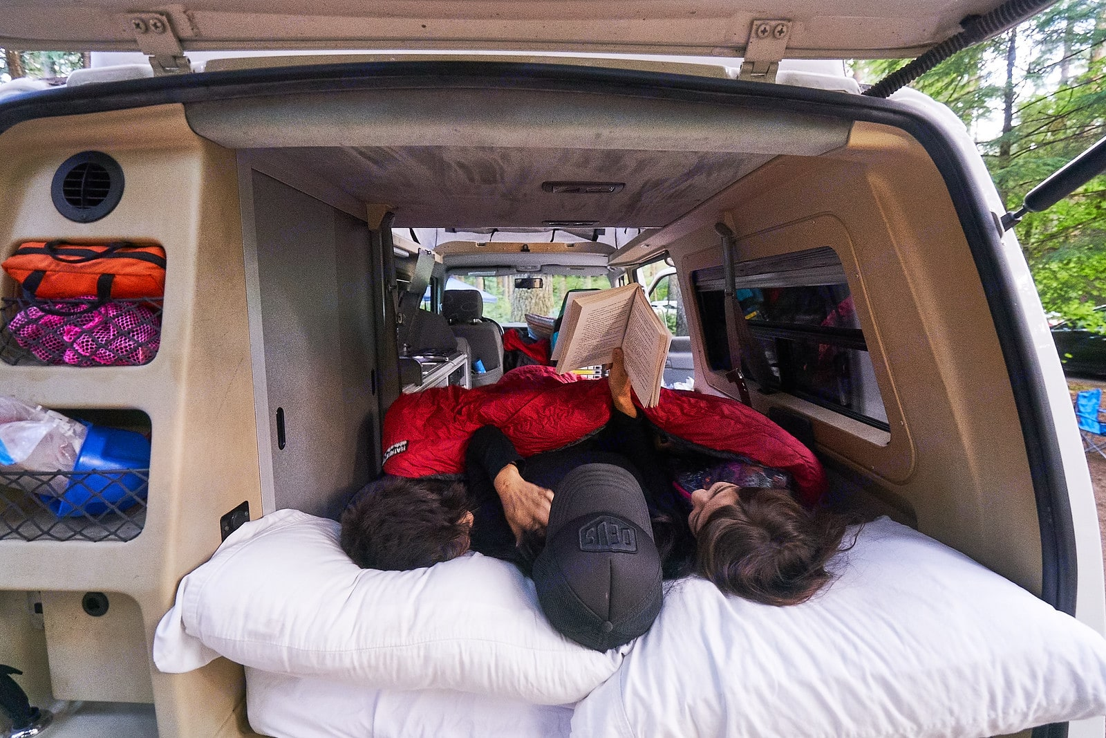 Plenty of storage compartments to stay organized throughout your adventure.. Volkswagen Eurovan Camper 1997