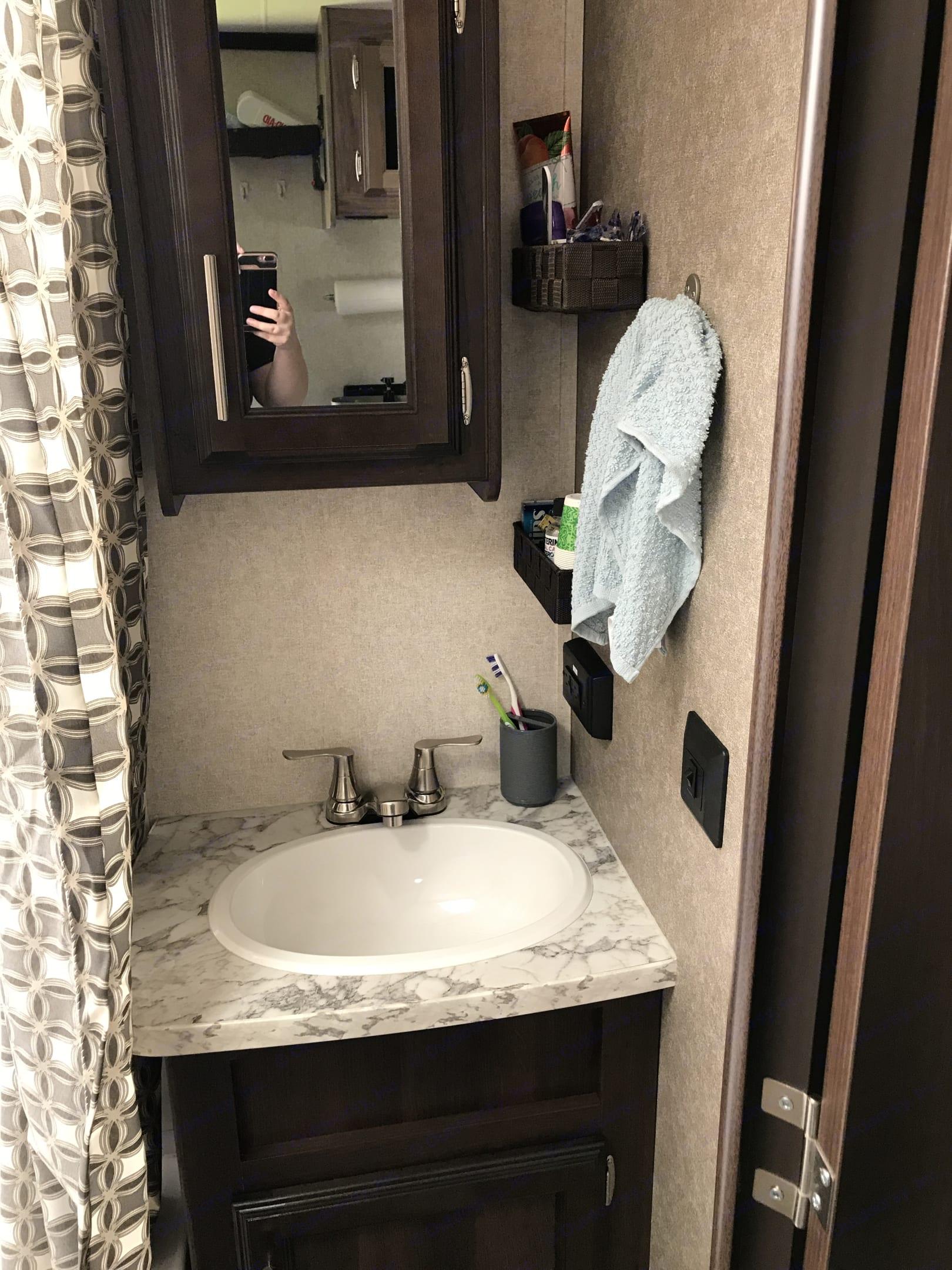 Bathroom . Jayco Jay Feather 2018