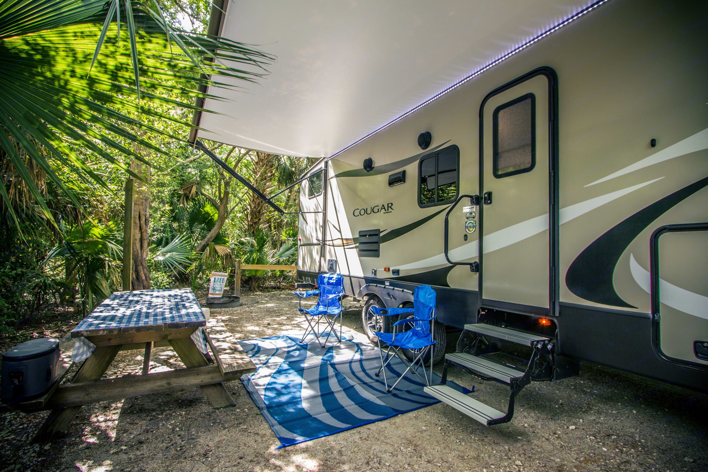 Lovely set up for your camping adventure!. Keystone Cougar Half-Ton 2019