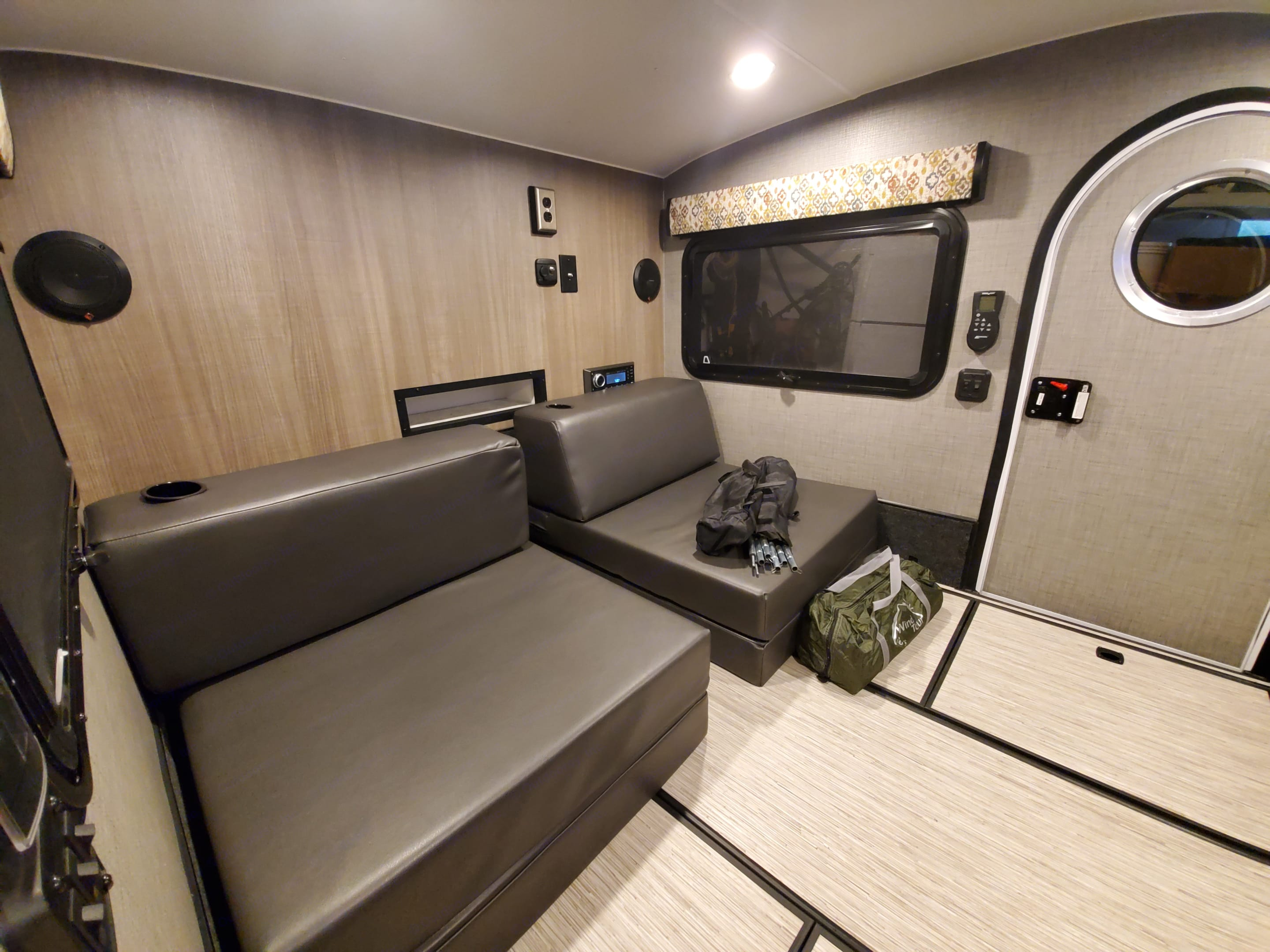 The mattress can be converted into chairs and can be used inside or outside to enjoy your coffee and listening to your favorite music with crisp sound system.. InTech RV Luna 2018
