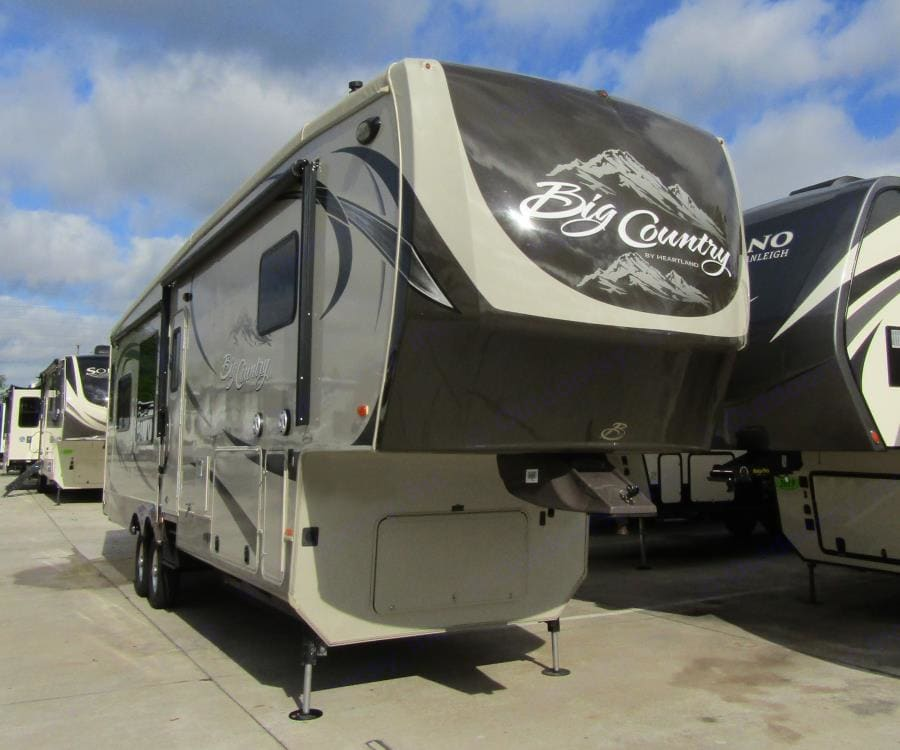 Even roomier than its 38.5 ft length already feels. She is a beast of comfort !!. Heartland Big Country 2015