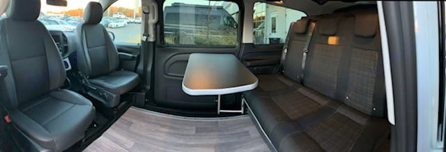 Swivel seats and table for meals, playing games, etc. Mercedes-Benz Metris 2018