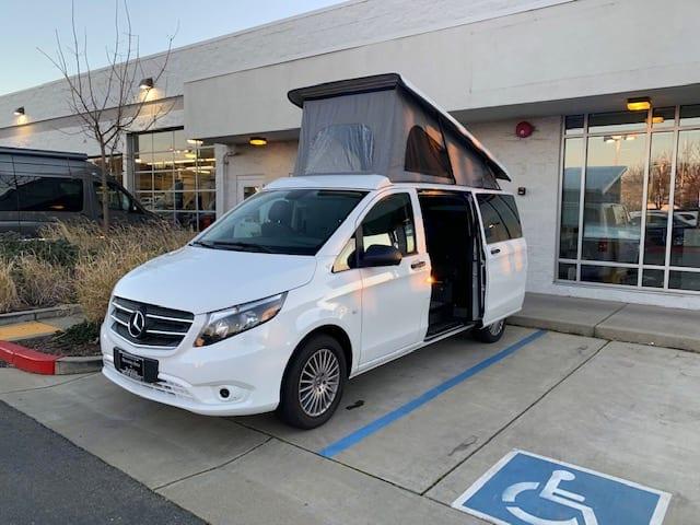 Camper van with pop-top. Mercedes-Benz Metris 2018