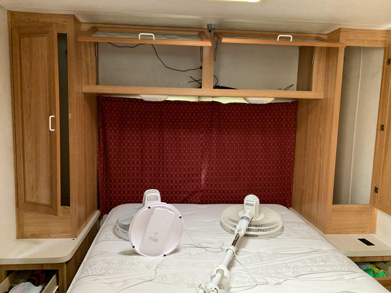 Queen bed. Coachmen Mirada 2000