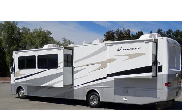 The unit has 3 large slide outs - 2 in the bedroom. Thor Motor Coach Hurricane 2008