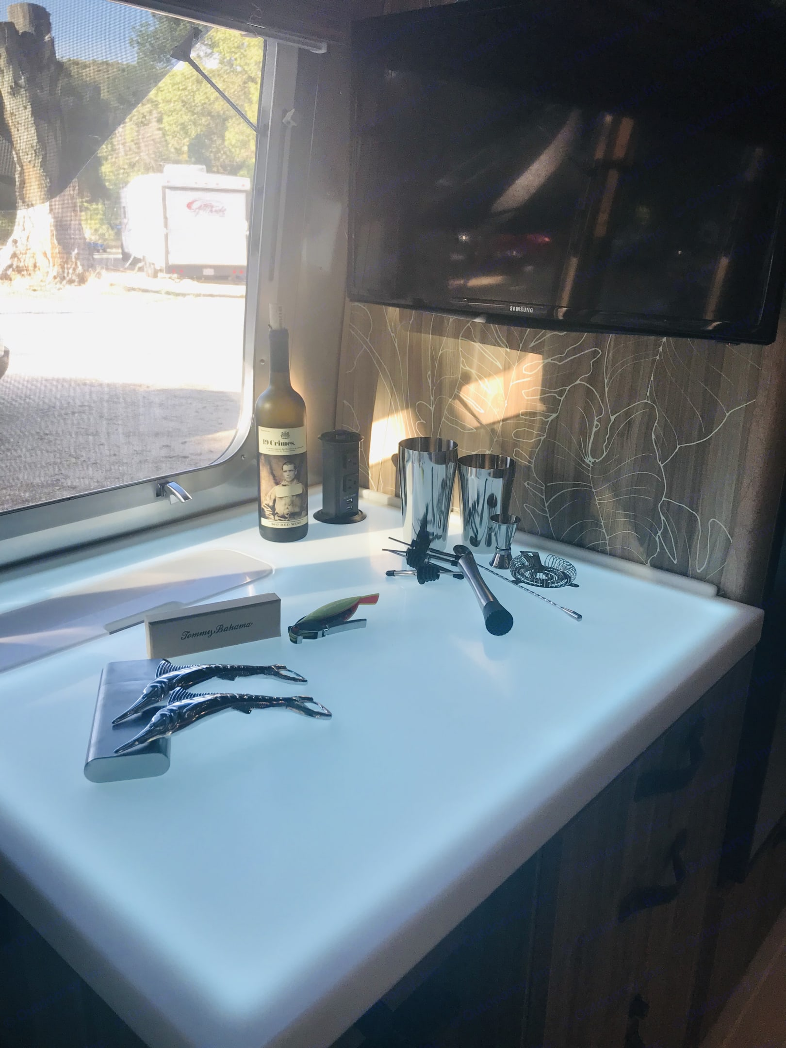 Light up bar with ice maker and Tommy Bahama bar gadgets!. Airstream Tommy Bahama Relax Edition 2019