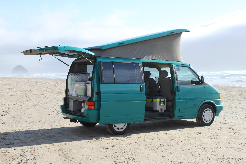 Park, pop the top, hop out and have fun!. Volkswagen Eurovan Weekender 1993