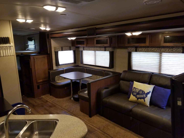 Comfortable and spacious living area!. Aerolite Aerolite 2014