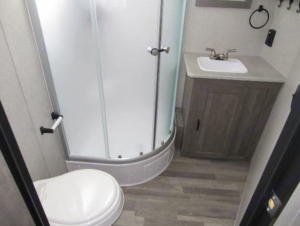 Full bath with shower. Forest River Inc Vibe 32bh 2018