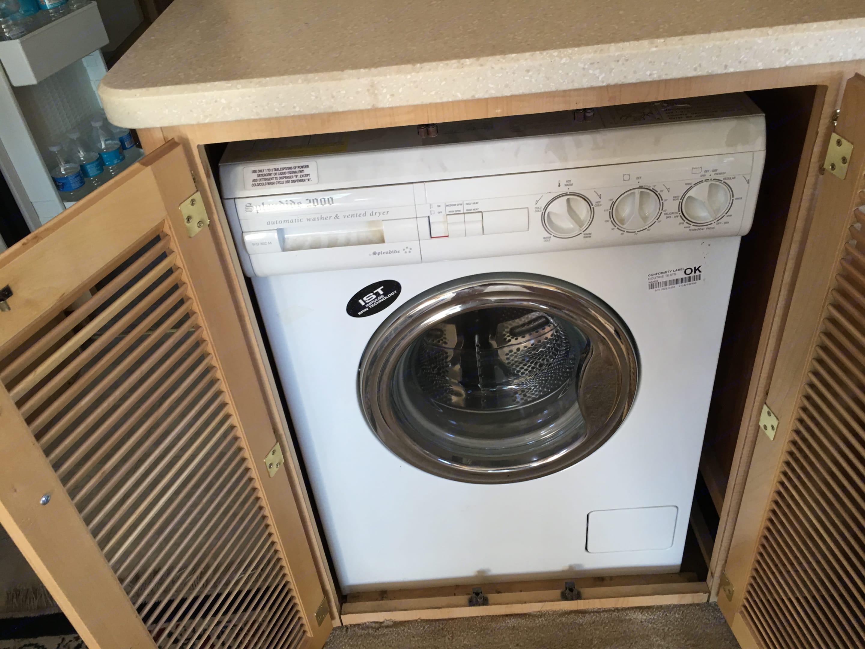 Washer/Dryer combo unit. Fleetwood Bounder 2003
