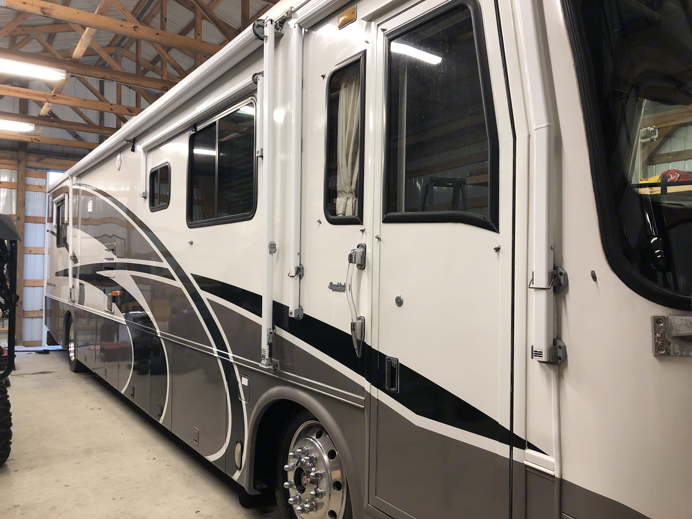 Newmar Mountain Aire 2000