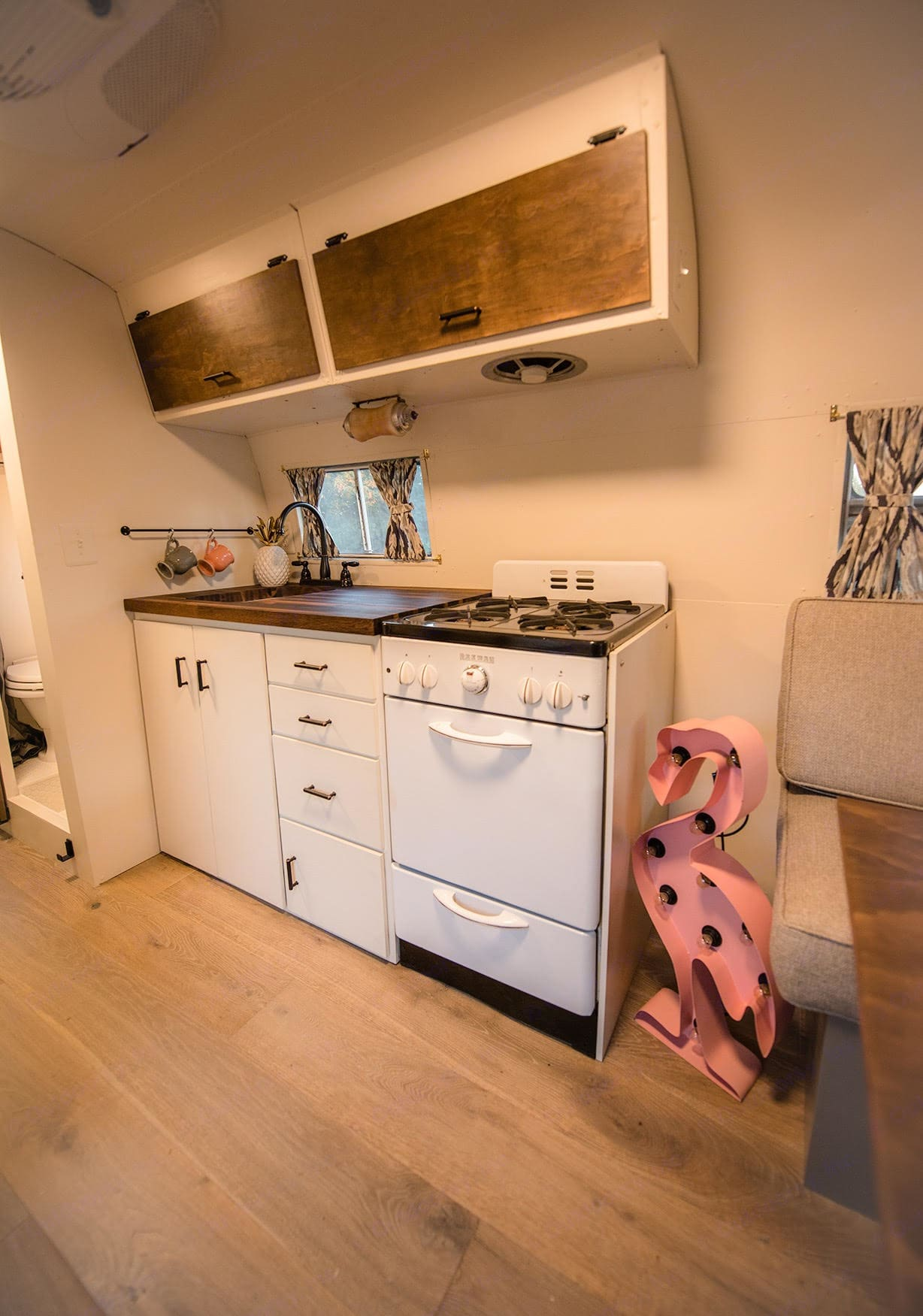 kitchen. Airstream Flying Cloud 1954