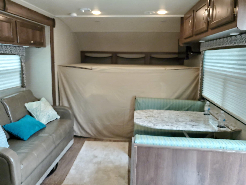 Large bunk over cab!. Jayco Redhawk 2018