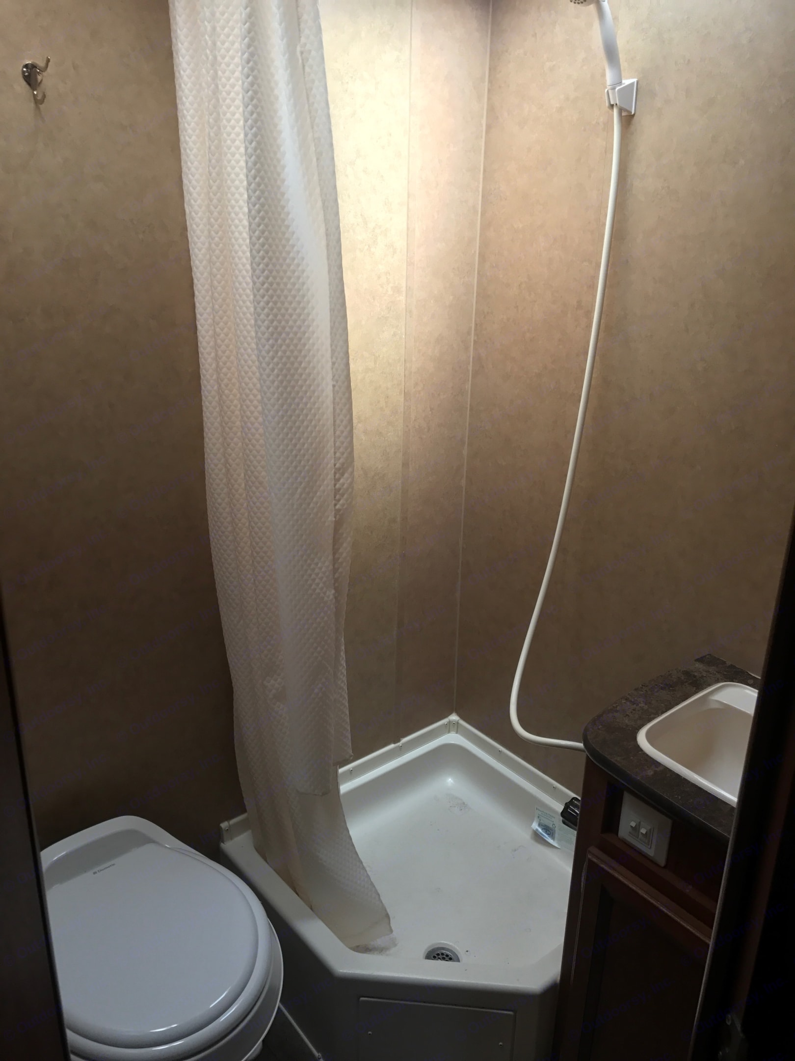 Stand up shower. Jayco Jay Feather Ultra Lite 2013