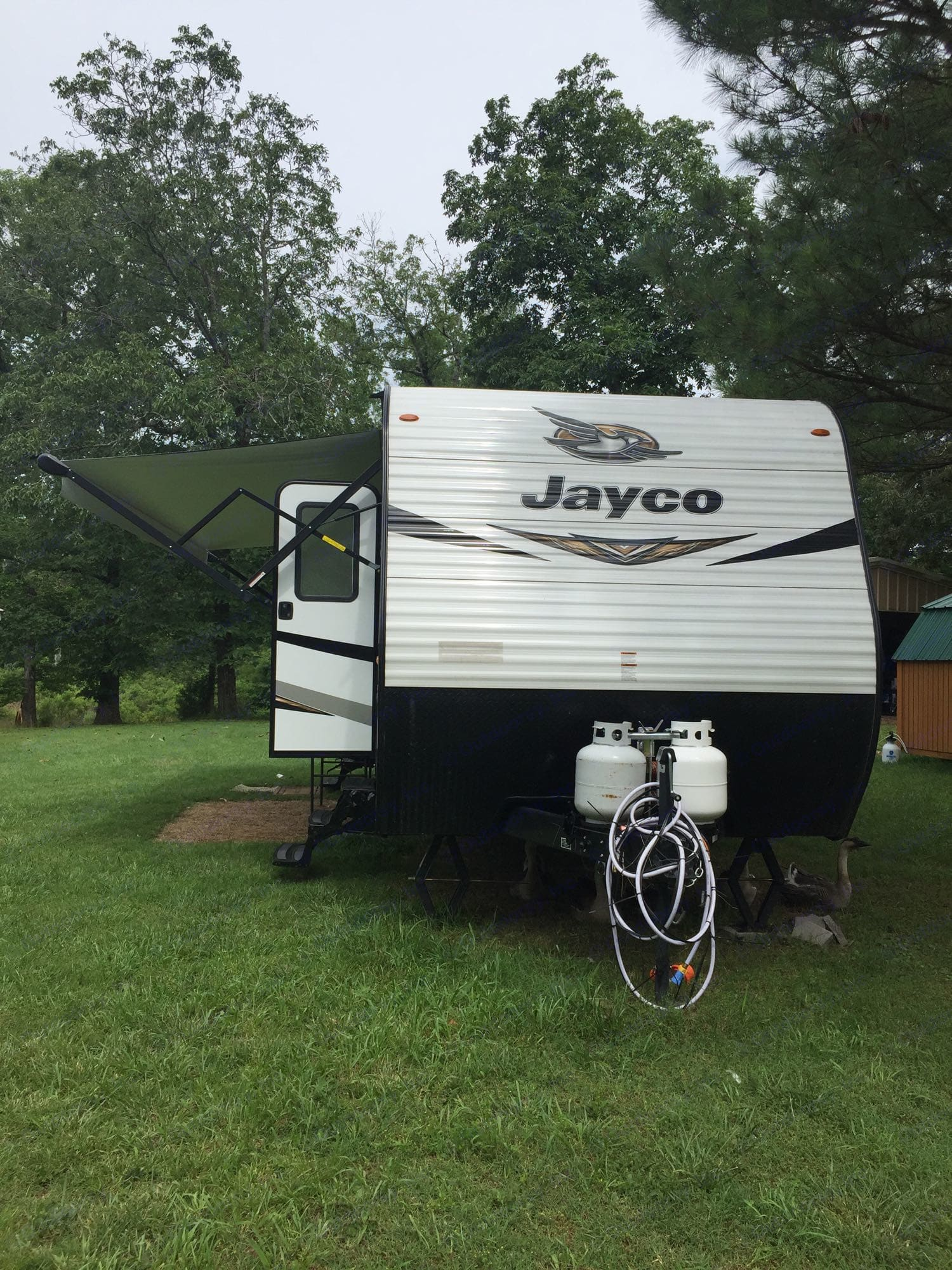 2 propane bottles. Jayco Jay Flight 2019