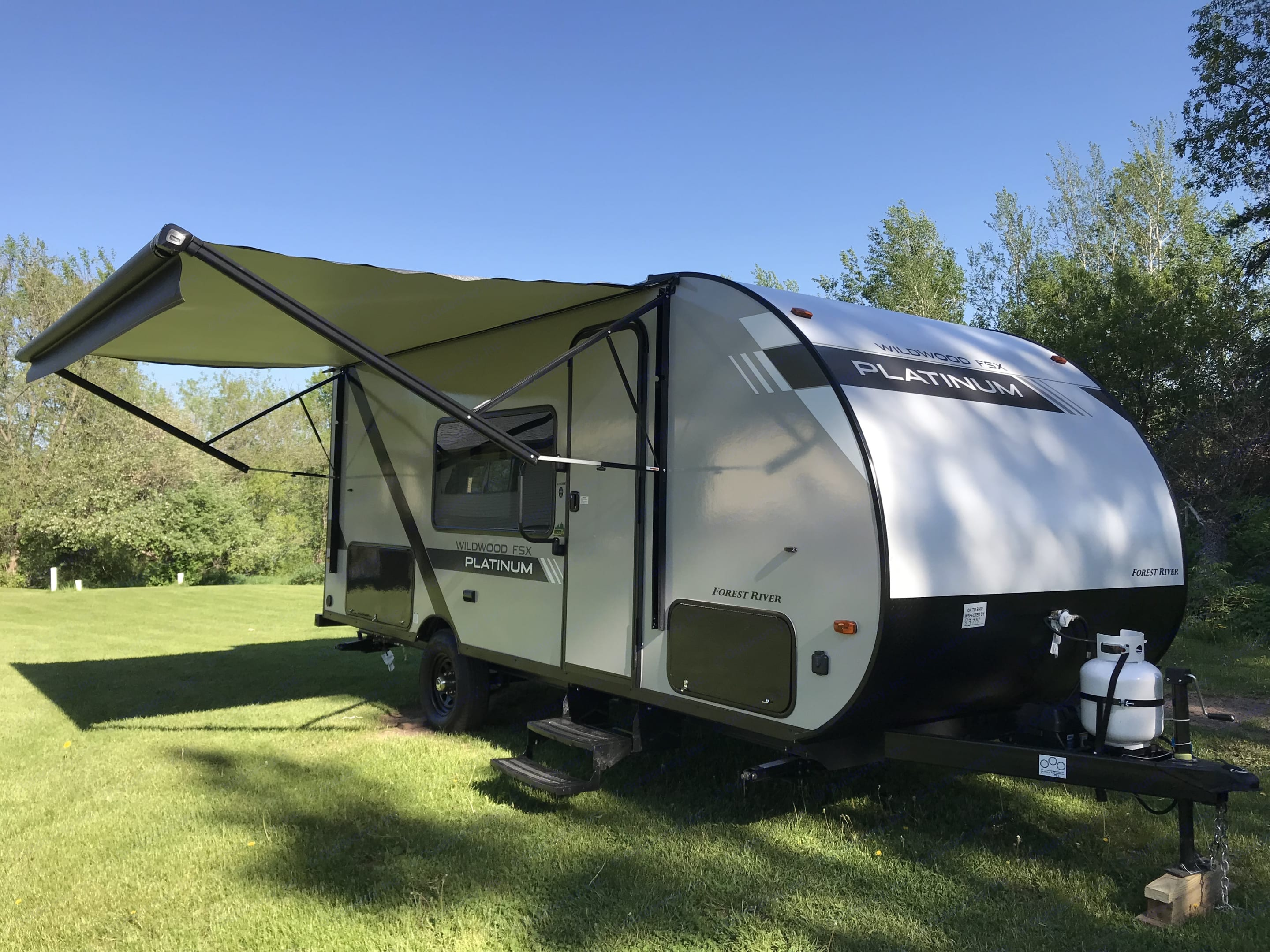 Electric Awning!. Wildwood 32qbss Other 2020