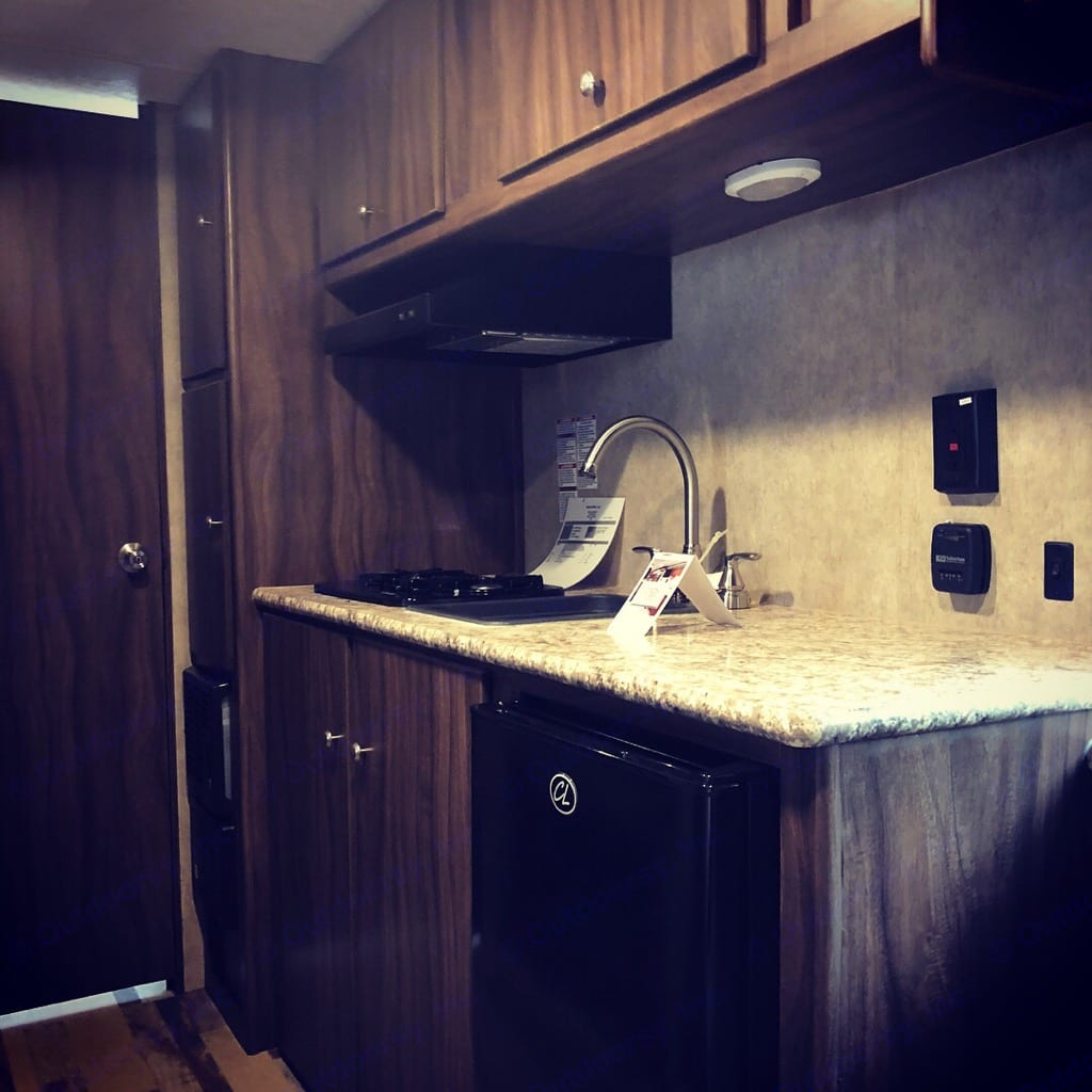 Everything you need in a kitchen . Coachmen Clipper 2018