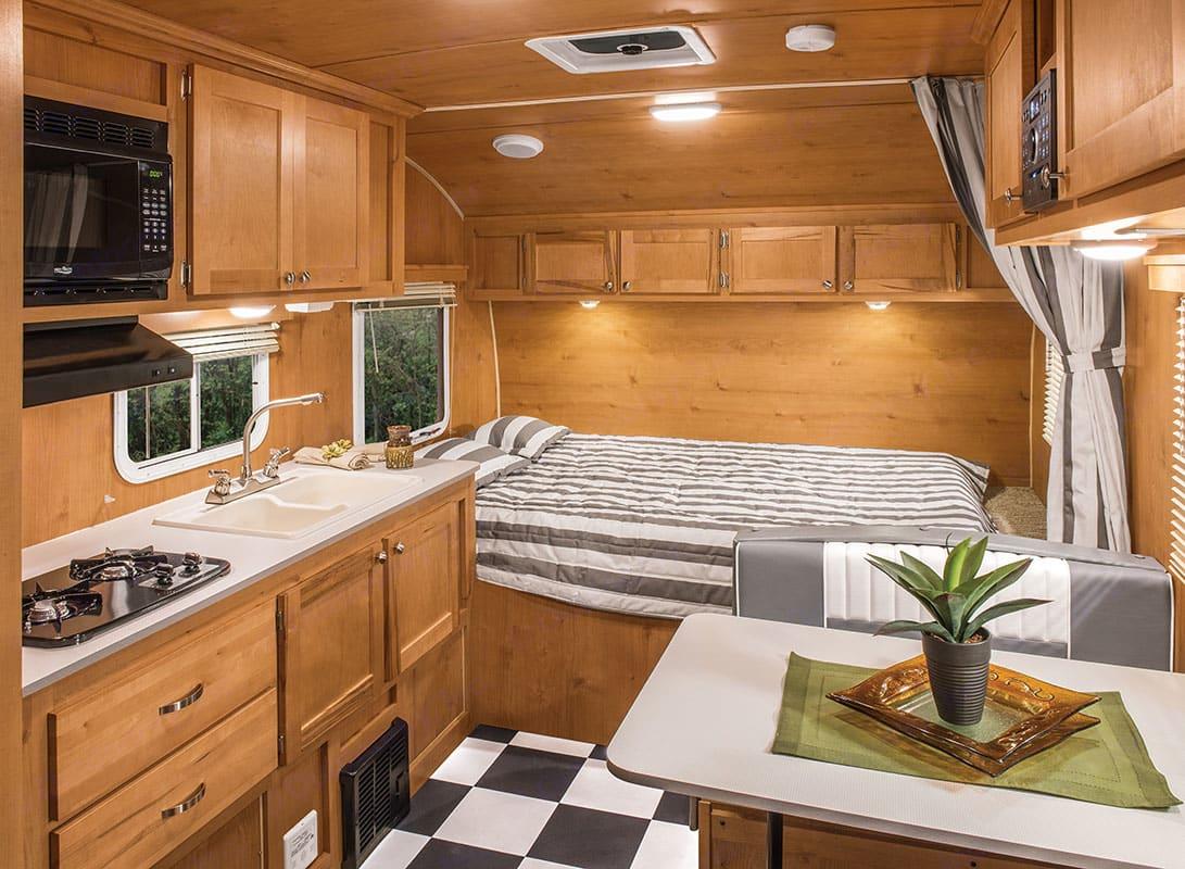 door to bed. Riverside Rv 189R Retro 2018