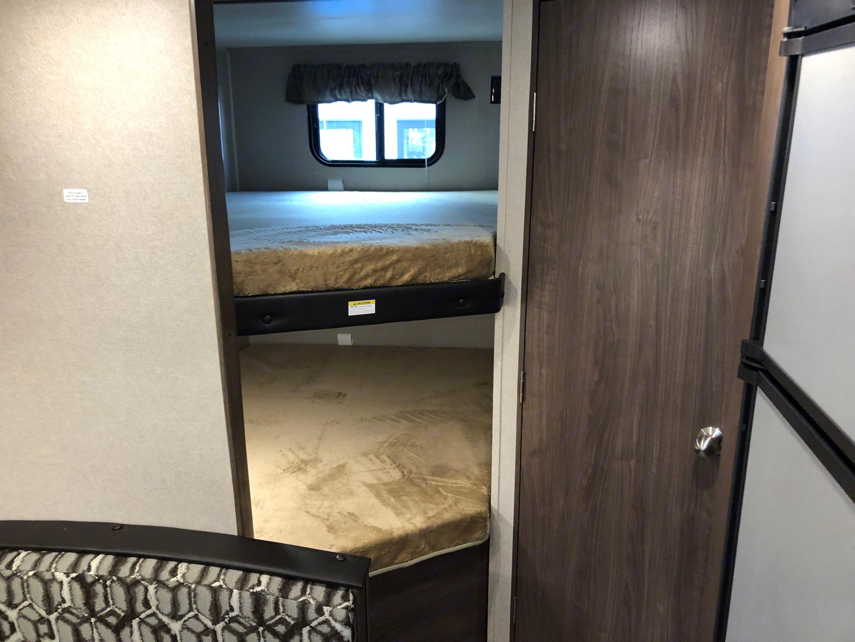 Double Bunk Beds. Keystone Hideout 2019