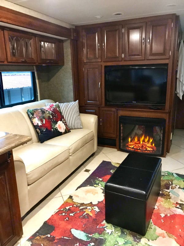 """Working Electric fireplace & 37"""" TV. Forest River Georgetown 2013"""