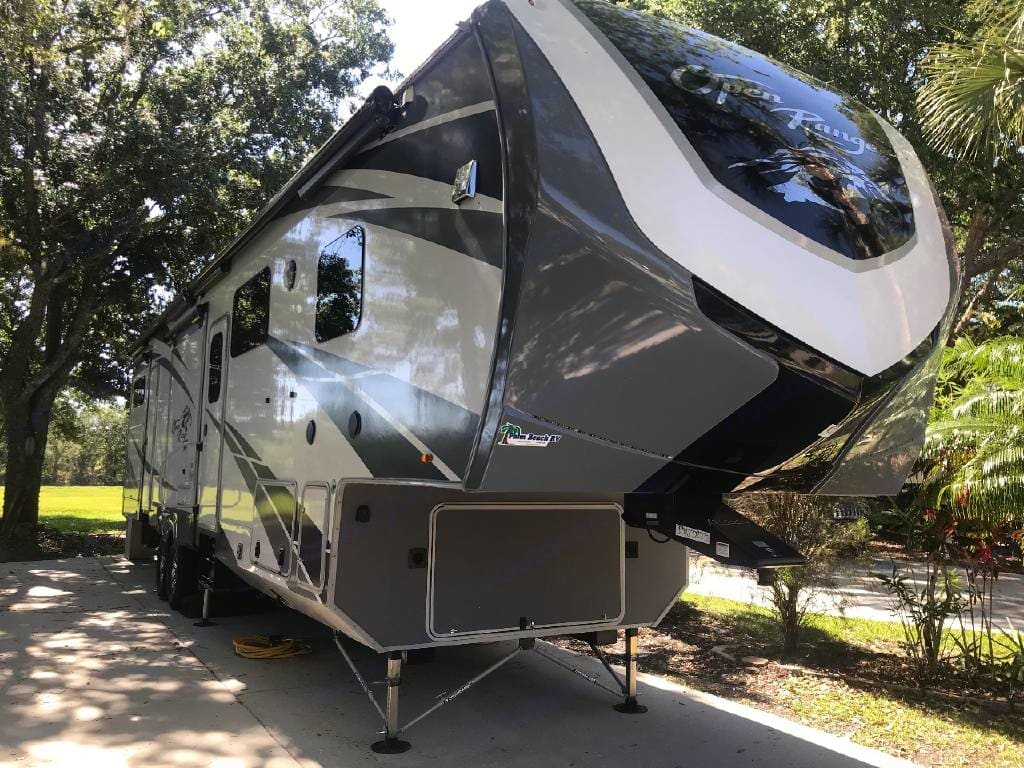 This is a 2019 open range 5th. Sleeps up to eight people. Has bath and half. Outdoor kitchen. Clean and Covid-19 ready. It is a home away from home. Open Range 3x 2019