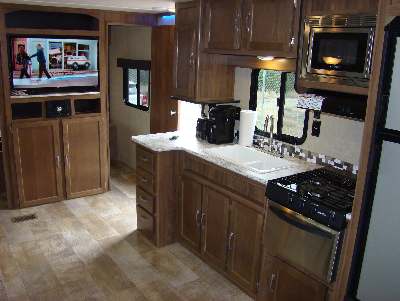 Spacious kitchen area. Conquest 323TBR 2019