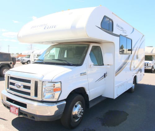 Front/Side View. Thor Motor Coach Freedom Elite 2018
