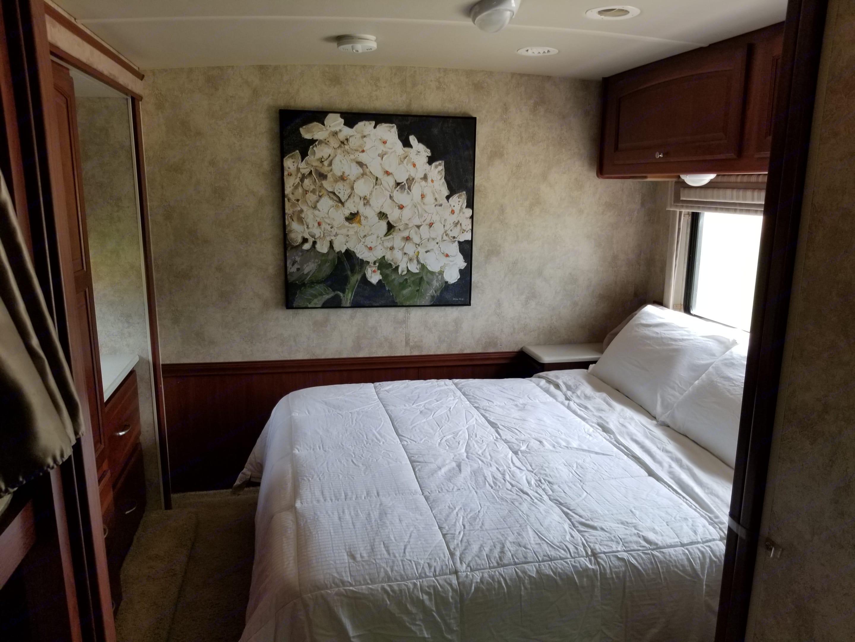 Master bedroom. Winnebago Vista 2011