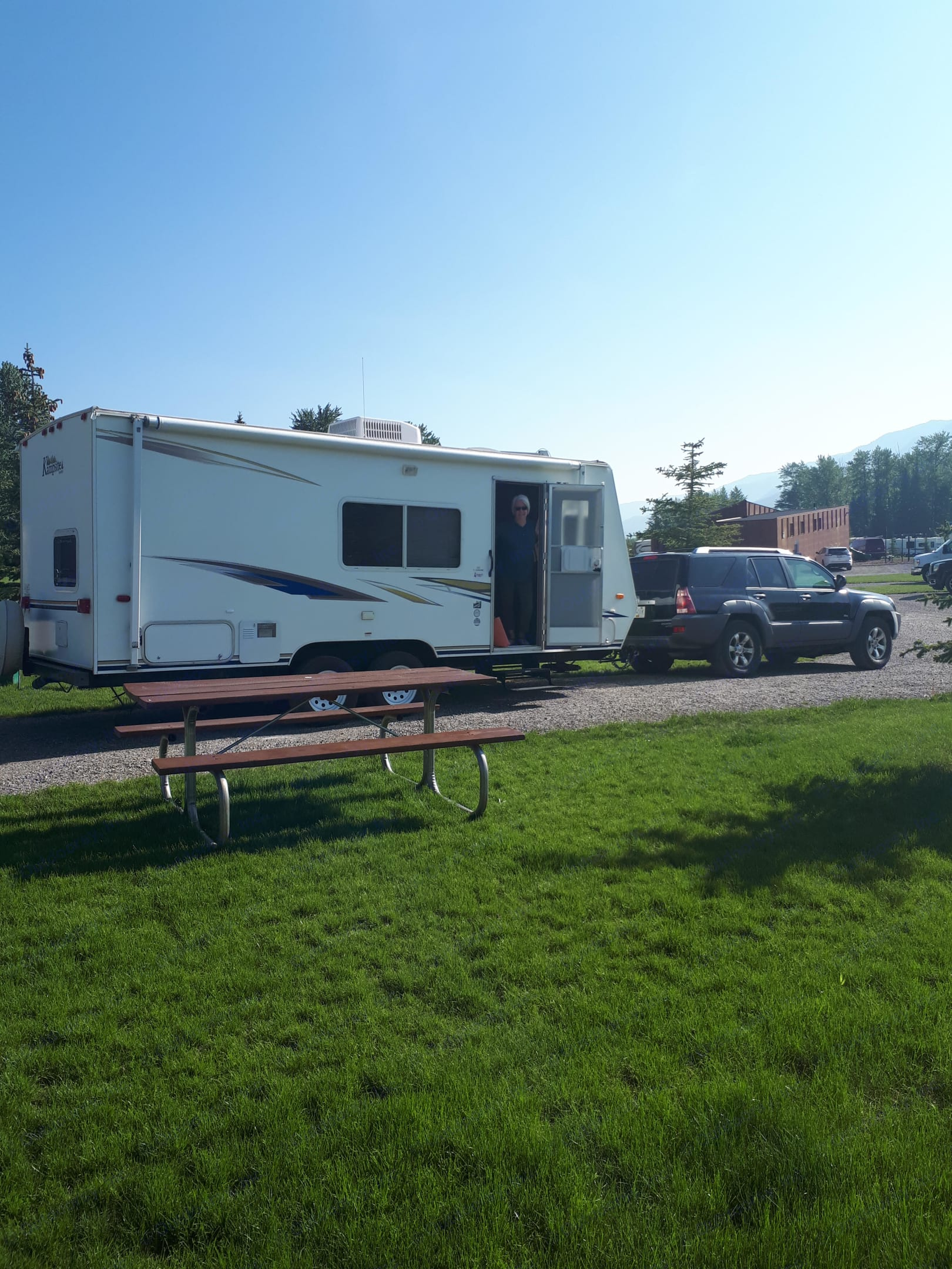 Lovingly maintained, fully equipped and easy to tow.  Or, if you prefer, we will tow it for you. . Komfort Kampsite 2007