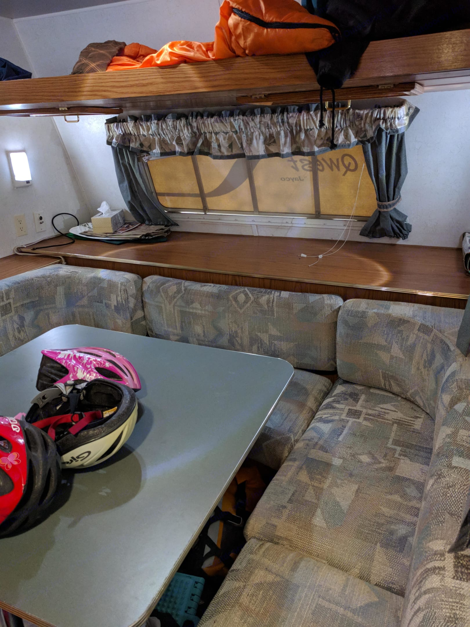 Front dining area, converts to a bed. Jayco Qwest 2000