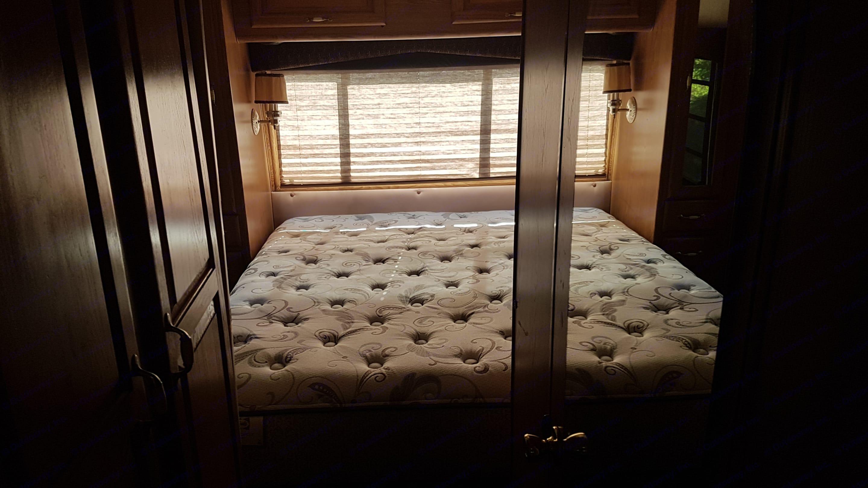 Master Bedroom. Chevrolet Pinnacle 1992