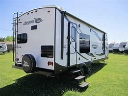 Full length Awning with Outdoor LED lighting and outdoor stereo speakers. Rear Bumper mounted BBQ grill included with rental.. Jayco White Hawk 2016