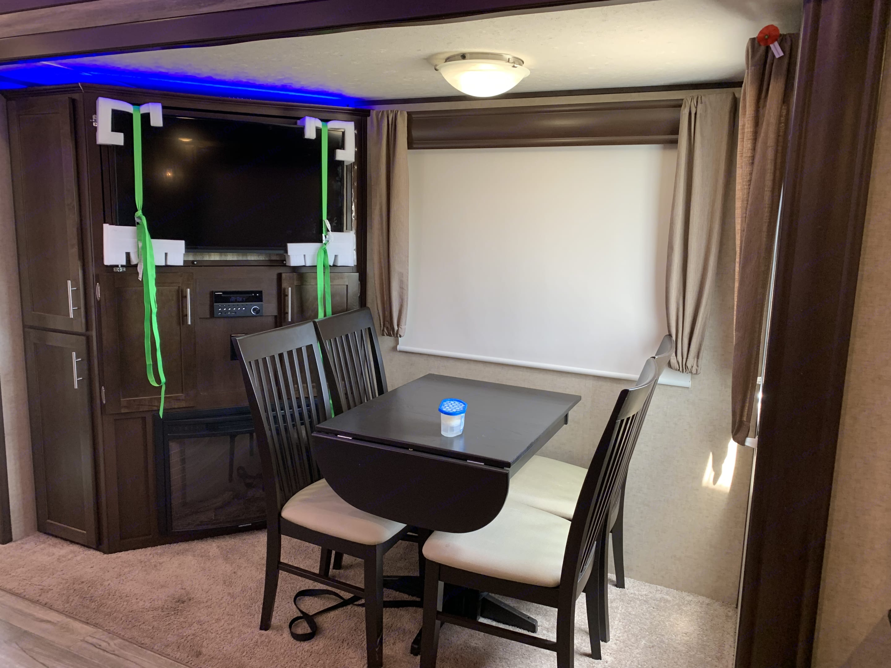 entertainment center and dinner nook. Forest River Cherokee 2016