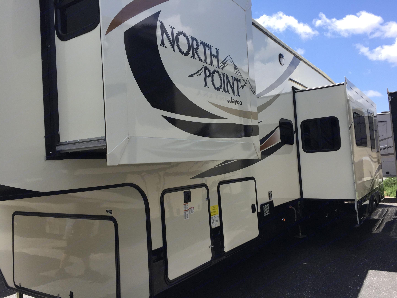 Jayco North Point 2017