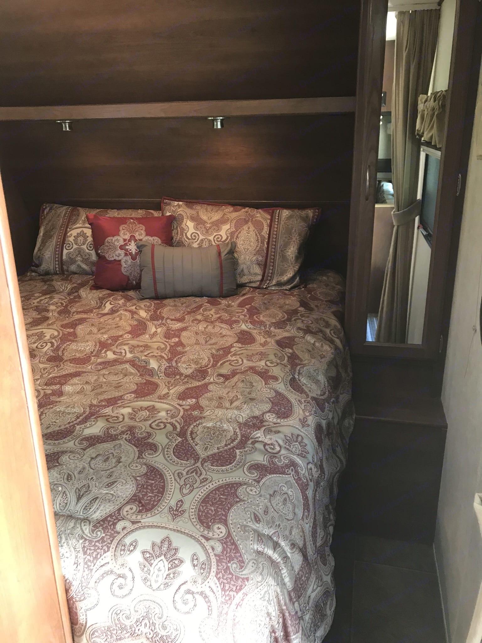 Master bed 1. Crossroads Slingshot 2013