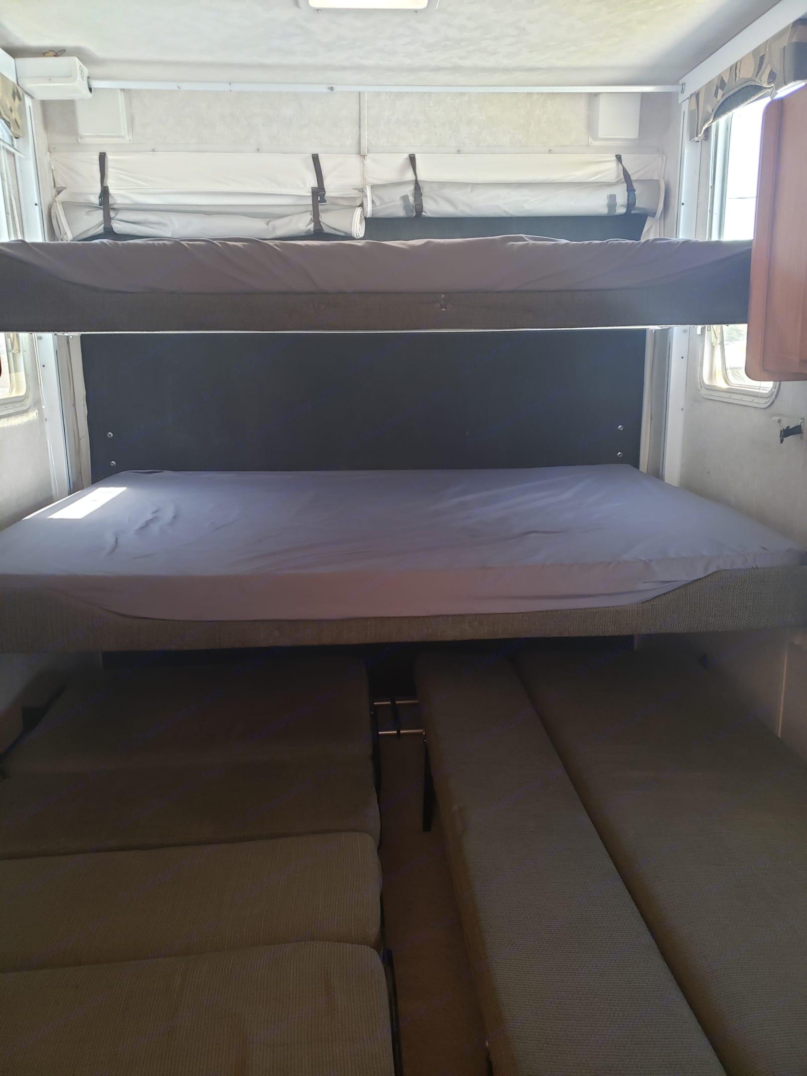Rear bunk beds. Forest River Sandpiper Sport 2006