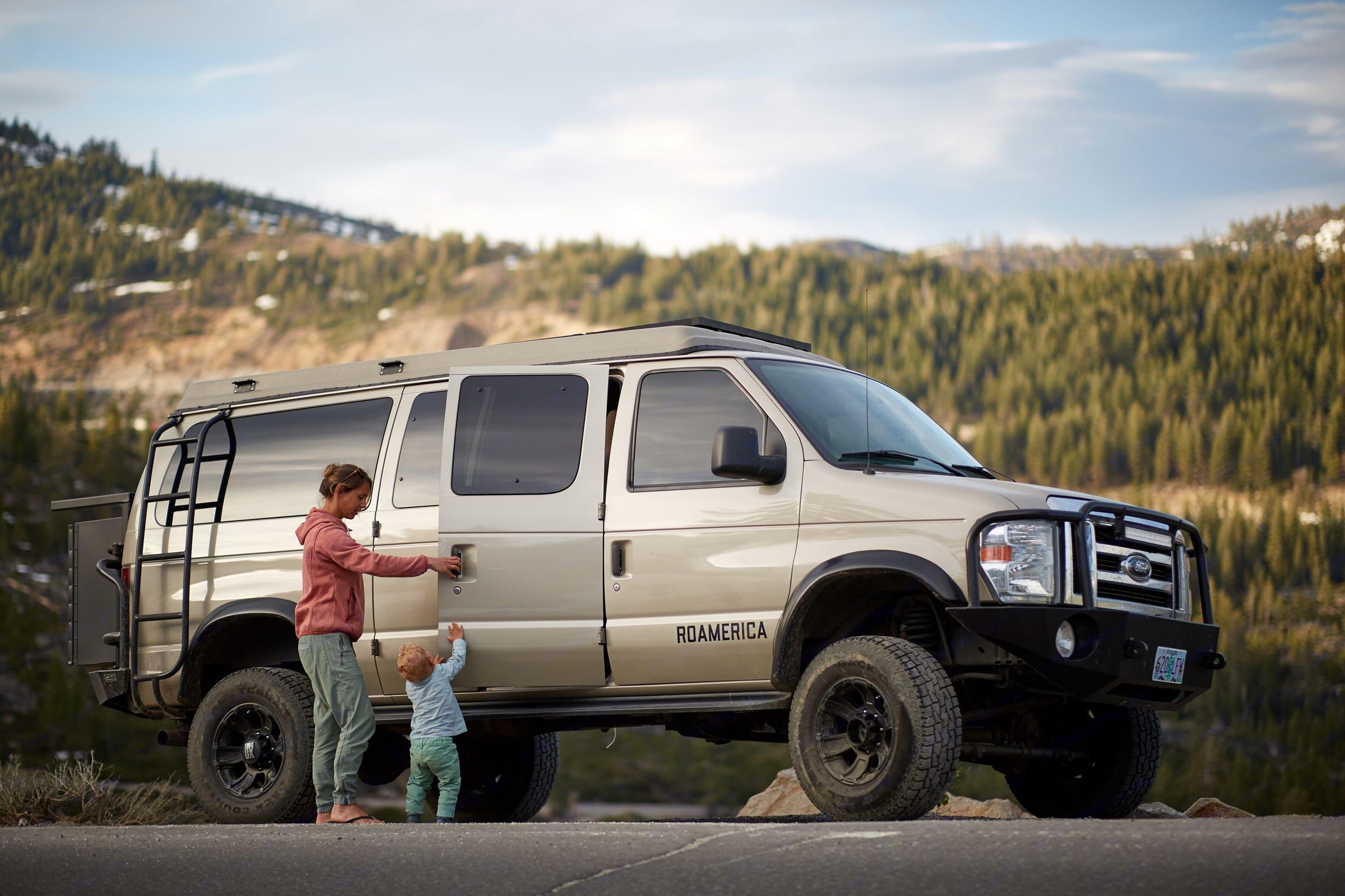 Side profile of 4wd Sporstmobile campervan.. Ford Econoline 2009