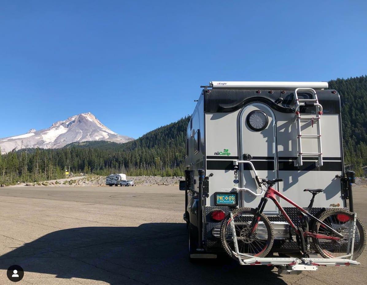 Mt Hood, Oregon. GMC Cirrus Camper 2018