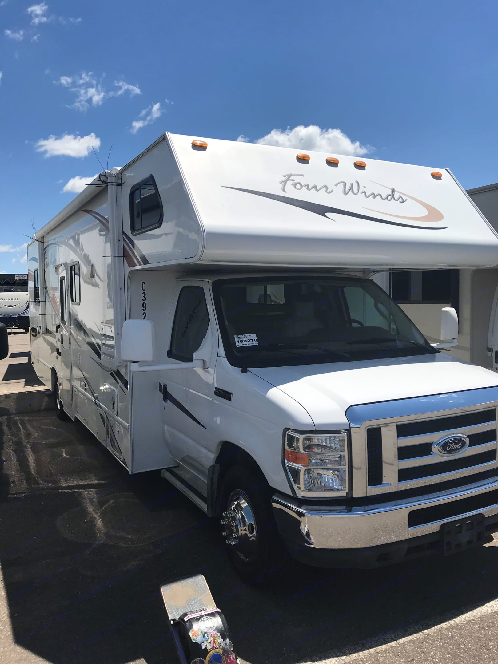 full view of the rv . Four Winds 31K 2011