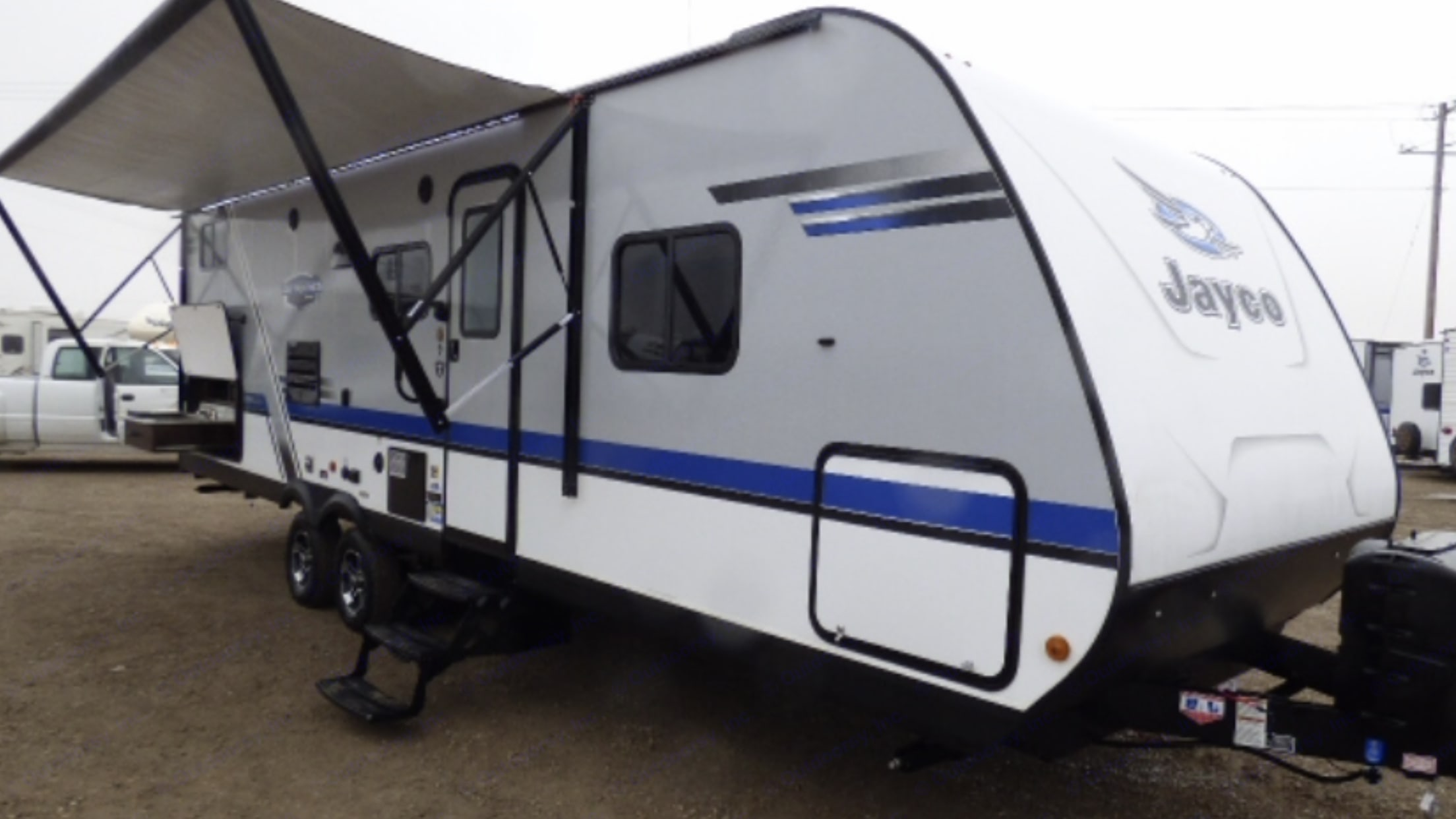 Large electric awning to keep cool outside! Please be sure to pull in awning at night, when it's windy and when you are gone. . Jayco Jay Feather 2019