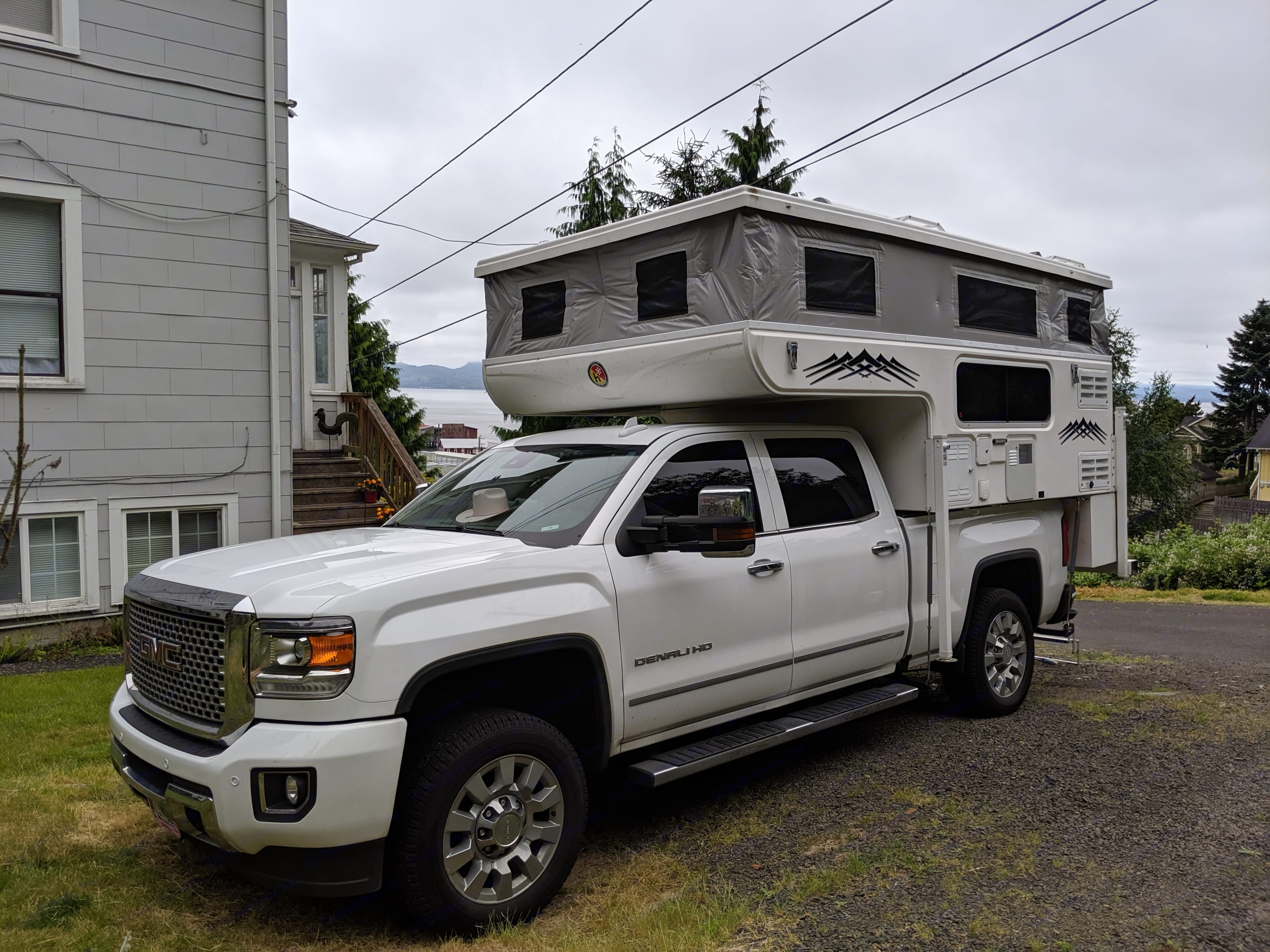 The whole rig with the top up! . Hallmark Guanella Lx 2018