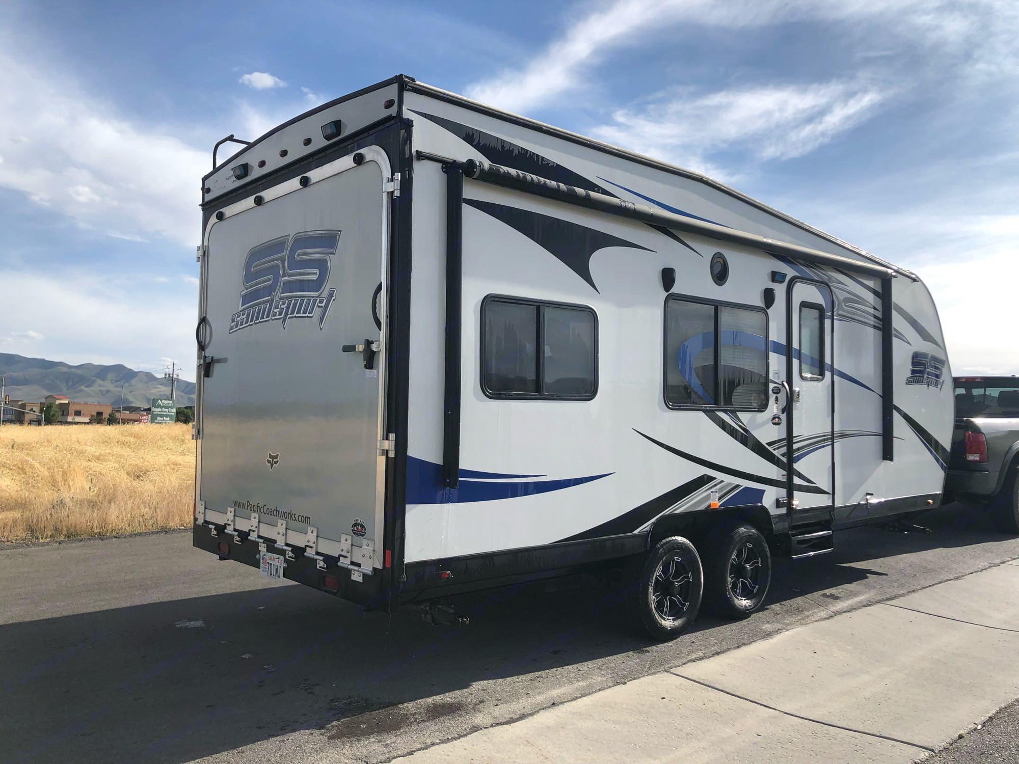 Pacific Coachworks Sandsport 2018